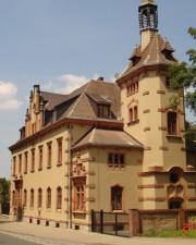Villa mit Mietwohnungen